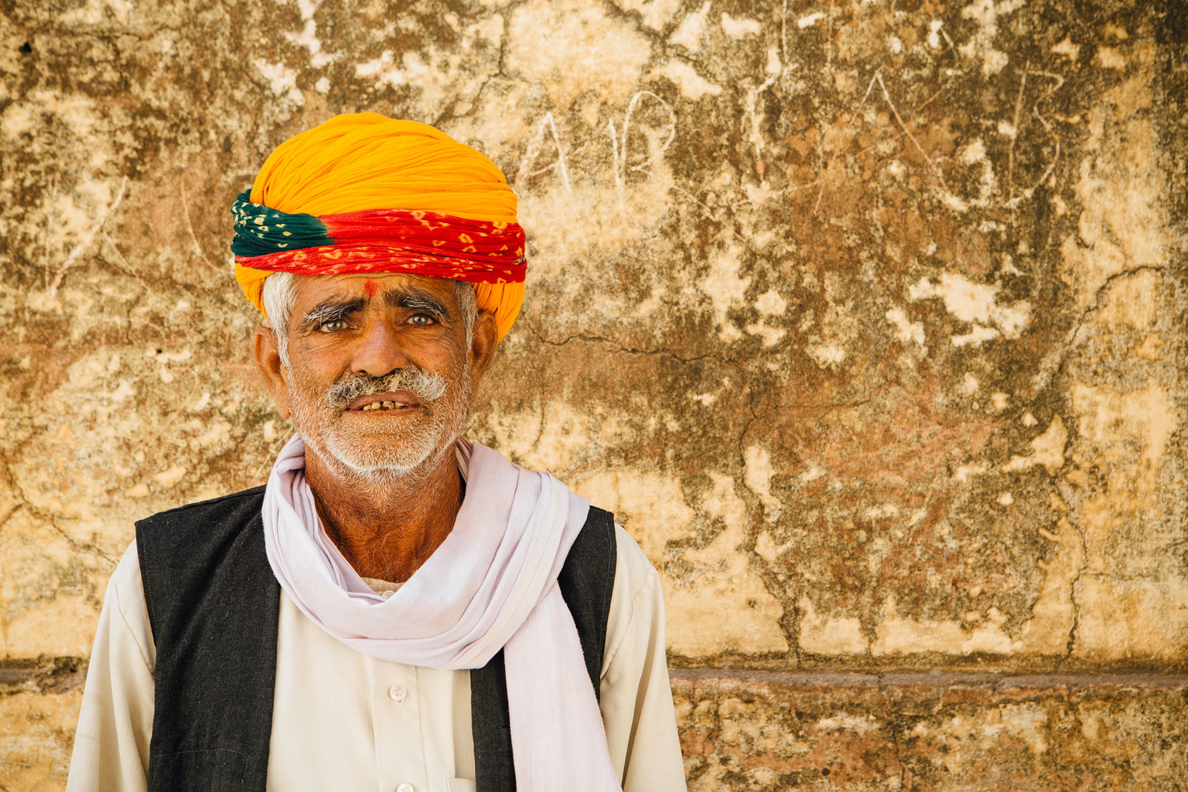deepi-ahluwalia-india-jaipur-elderly-man