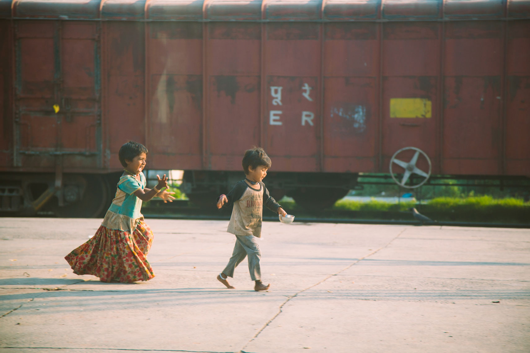 deepi-ahluwalia-india-kids-train